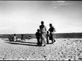 Aspettando il ritorno dei pescatori // Waiting for fishermen return (Beira spiaggia - Beira praia, Sofala)